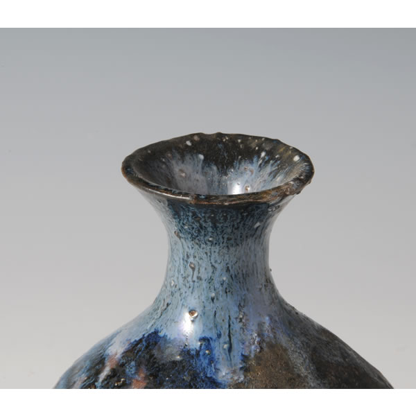 HAIKABURI TOKKURI (Sake Bottle with Natural Ashes glaze A) Hagi ware