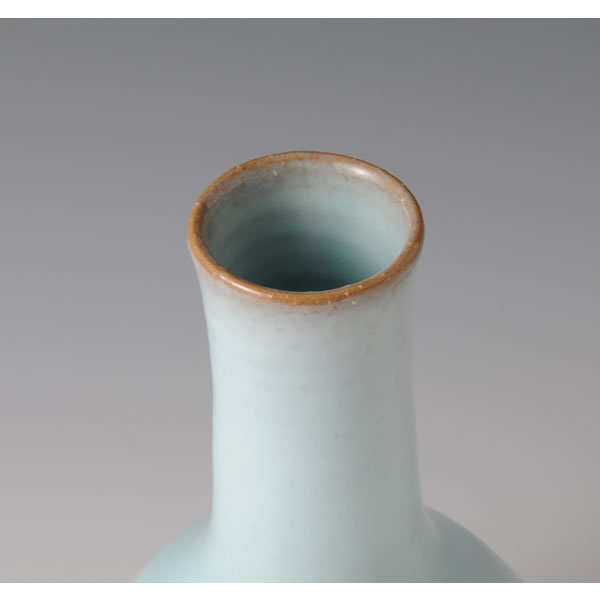 TANSEIYU HANAIRE  (Flower Vessel with Pale Blue glaze F)