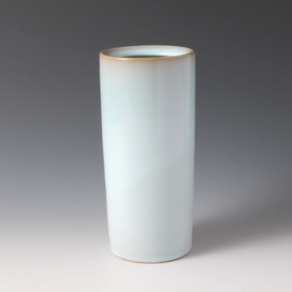 TANSEIYU HANAIRE  (Flower Vessel with Pale Blue glaze A)