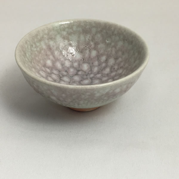 KOHANYU GUINOMI (Sake Cup with Spotted Grapevine Branch-ash glaze L)