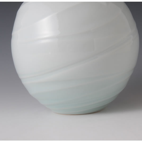 SEIHAKUJI CHORYUMON TSUBO (White Porcelain Jar with Sea Current design with Pale Blue glaze) Kyoto ware